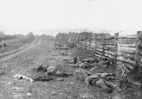 1024px-Bodies_on_the_battlefield_at_antietam